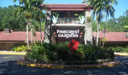 Pinecrest_Gardens_FL_park_entr02