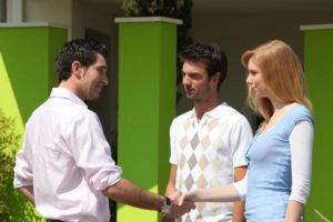 couple-meeting-a-realtor